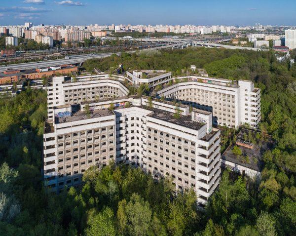 Opuszczony szpital Chowrinski (fot. A.Savin)