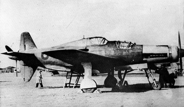 Dornier Do 335 Pfeil w wersji dwuosobowej przejęty przez Brytyjczyków