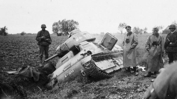 Zniszczony Somua S-35