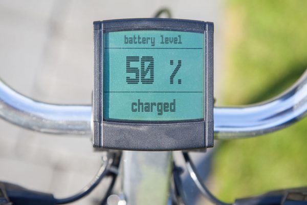 Dzięki wbudowanemu zasilaniu, rowery elektryczne coraz częściej wyposażane są w wyświetlacze