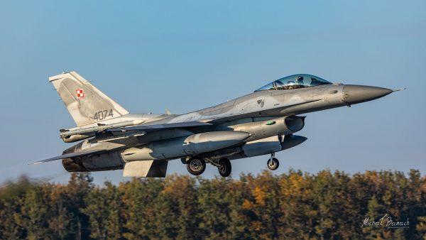 Lockheed Martin F-16C Jastrząb (4074) (fot. Michał Banach)