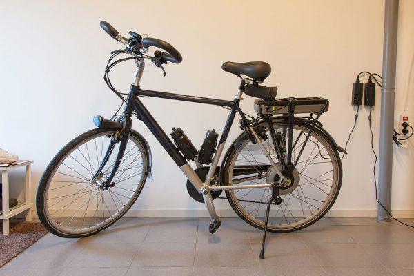 Współczesne rowery elektryczne są niewiele cięższe od tradycyjnych rowerów