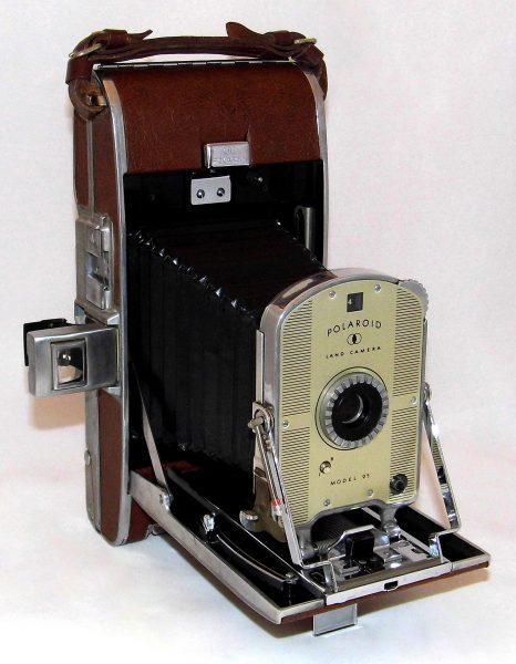 Polaroid Land Model 95 (fot. Joe Haupt)