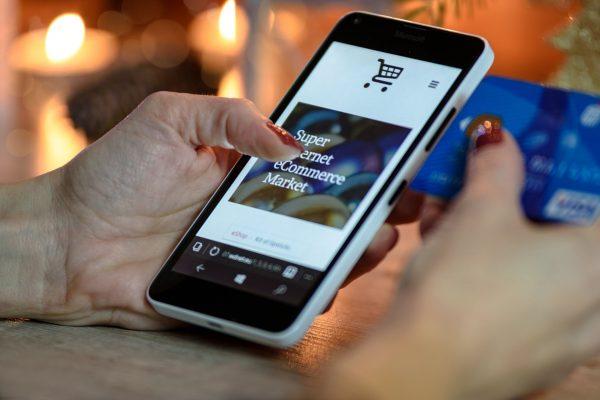 Sieć  nju mobile korzysta z infrastruktury Orange Polska dysponuje zatem doskonałym zasięgiem, dzięki czemu większość użytkowników bez problemu może korzystać z szybkiego internetu.