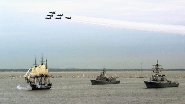 USS Constitution podczas obchodów 200-lecia wejścia do służby