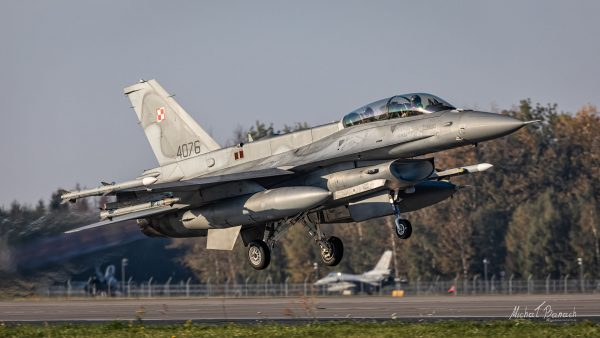 Lockheed Martin F-16D Jastrząb (4076) (fot. Michał Banach)