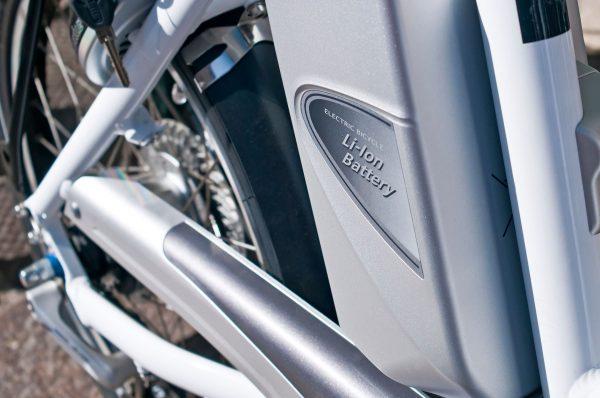 Chociaż baterie rowerów elektryczny cały czas są jednymi z najdroższych, ich ceny systematycznie spadają