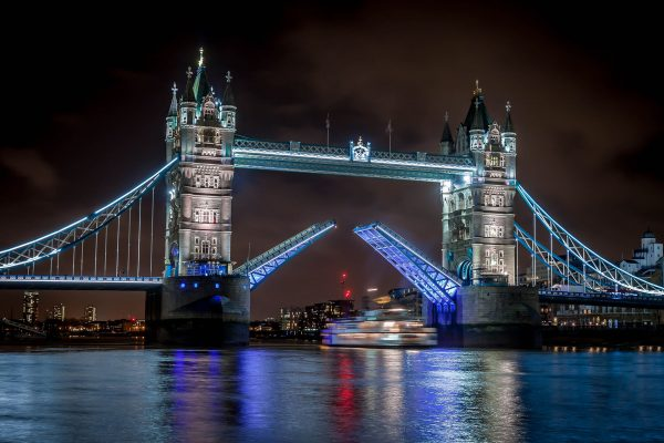 Tower Bridge (fot. Oliver O'Neill)