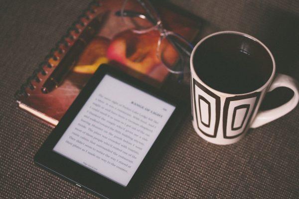 Czytanie tekstu na e-papierze prawie niczym nie różni się od tradycyjnego papieru