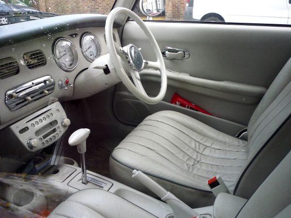 Nissan Figaro (fot. Oxfordian Kissuth)