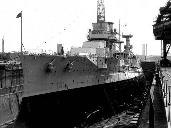 USS Utah po usunięciu uzbrojenia