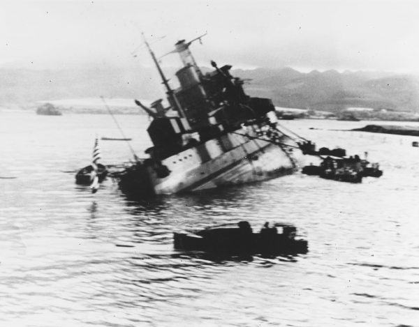 Tonący USS Utah