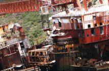 Wrak barki-pływającego dźwigu BOS 400 u wybrzeży RPA