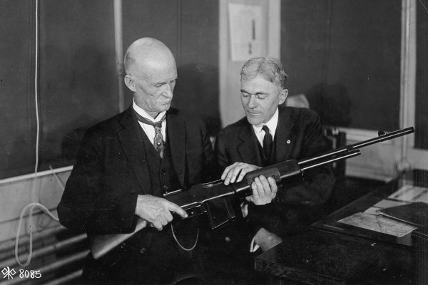 John Browning i jego M1918 Browning Automatic Rifle