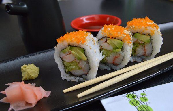 Wasabi znakomicie sprawdza się jako dodatek do japońskiego przysmaku jakim jest sushi, ale to nie jest oczywiście jedyne danie, którego wyrafinowany smak podkreśli omawiana, diabelnie pikantna przyprawa.