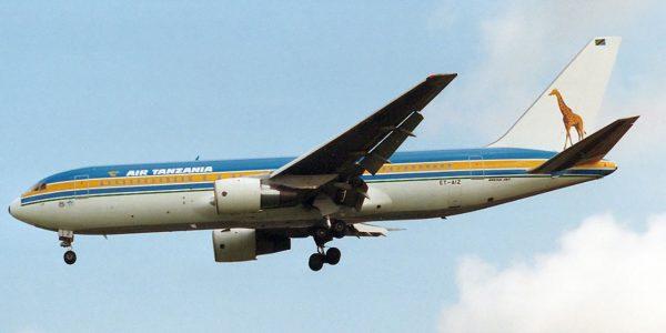 Boeing 767-260ER (ET-AIZ) w barwach Air Tanzania (1991 rok) (fot. Torsten Maiwald)