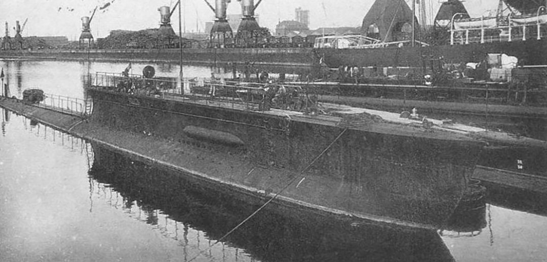 Francuski okręt podwodny Mariotte - pływająca szczoteczka do zębów