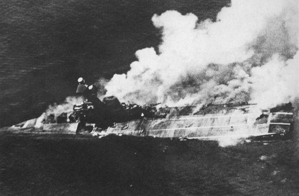 Tonący HMS Hermes