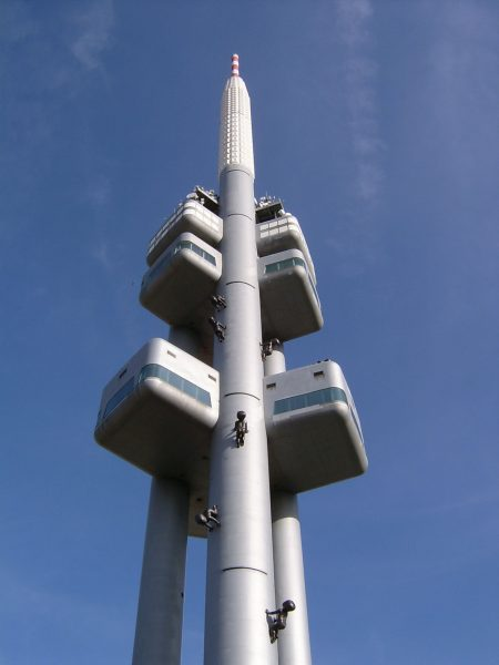 Wieża telewizyjna Žižkov (fot. Norbert Požár)