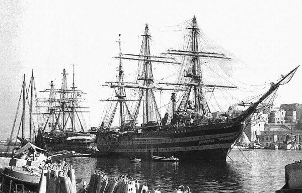 Amerigo Vespucci i Cristoforo Colombo w 1943 roku