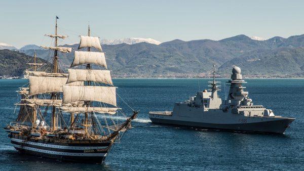 Amerigo Vespucci i włoska fregata Luigi Rizzo
