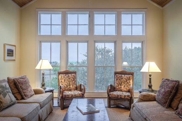 Dzięki inteligentnemu oświetleniu możemy zdalnie sterować wszystkimi lampami w danym pomieszczeniu lub całym domu