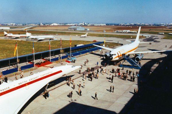 Prezentacja Airbusa A300 (na lotnisku znajdował się również drugi prototyp Concorde) (fot. Airbus)
