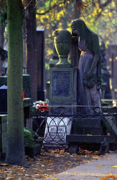 Cmentarz Powązkowski (fot. pixabay.com)