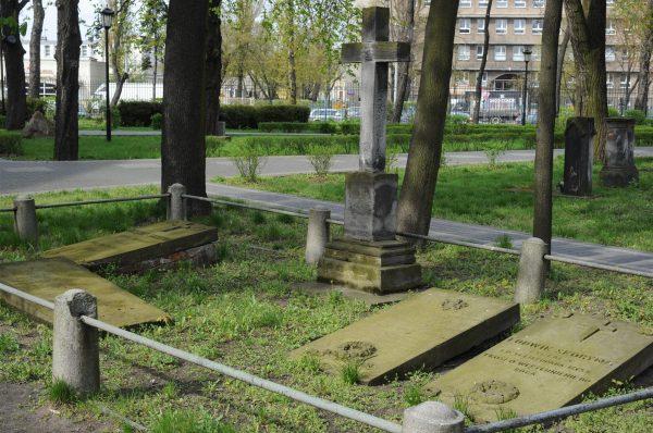 Cmentarz Kamionkowski (fot. Cezary Piwowarski)