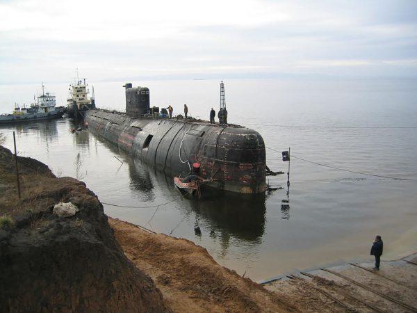 B-307 w drodze do muzeum w Togliatti