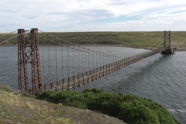 Bodie Creek Suspension Bridge w 2010 roku (fot. Mark Manuk)