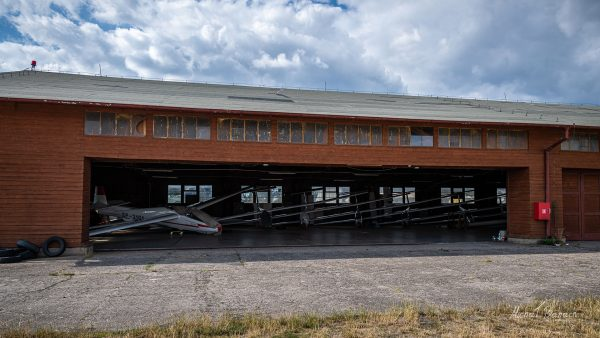 Lotnisko w Kobylnicy (fot. Michał Banach)
