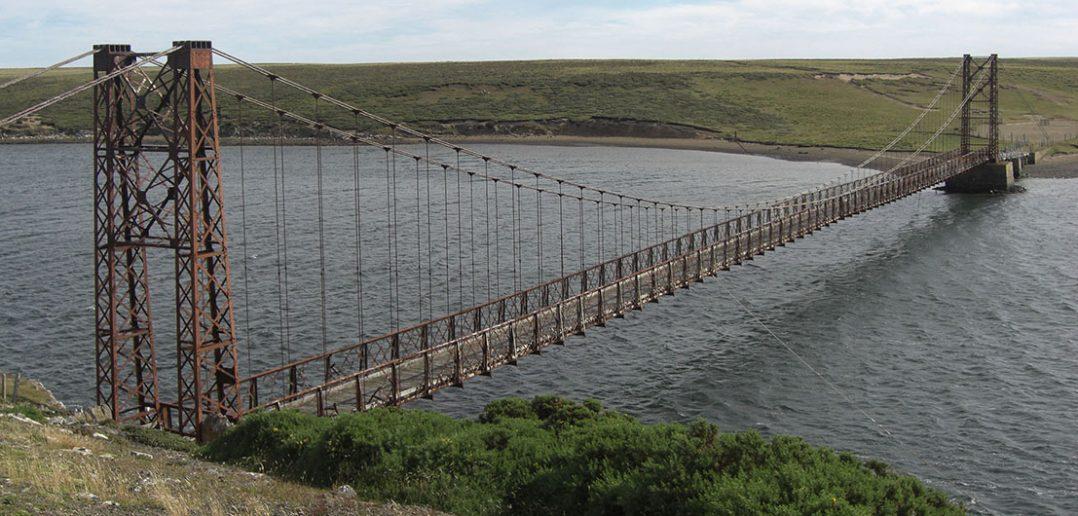 Most Bodie Creek - opuszczony most wiszący na Falklandach