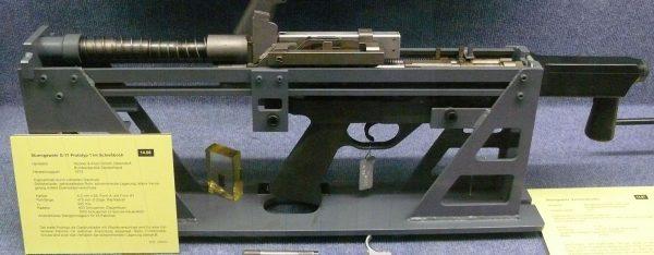 Prototyp mechaniczny karabinka HK G11 (fot. Wikimedia Commons)