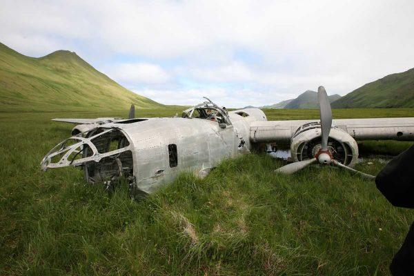 Wrak bombowca B-24D Liberator na wyspie Atka (fot. warhistoryonline.com)