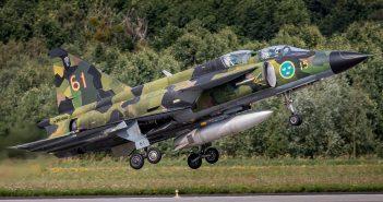 Szwedzki samolot wielozadaniowy Saab JA37 Viggen