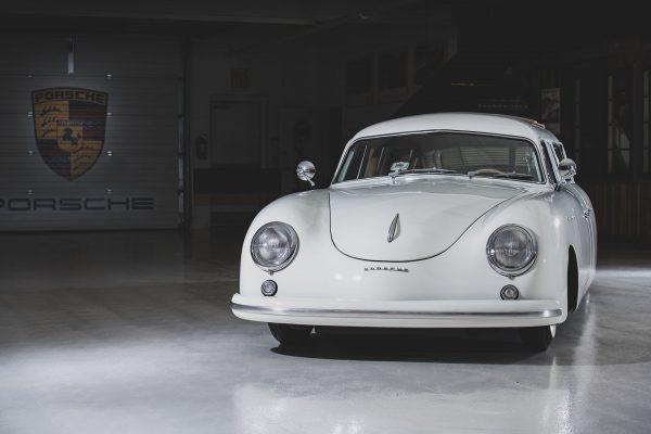 Porsche 356 Limousine Custom (fot. Darin Schnabel/Courtesy of RM Sotheby's)