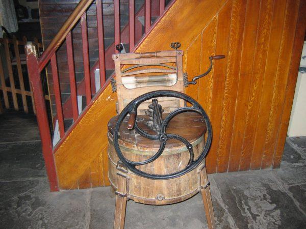 XIX-wieczna pralka (fot. Itub/Wikimedia Commons)