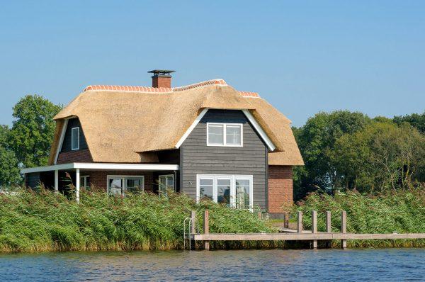 Ten przepiękny dom wakacyjny znajduje się w Holandii
