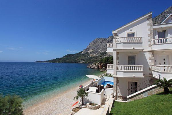 Dom w widokiem na morze w Chorwacji