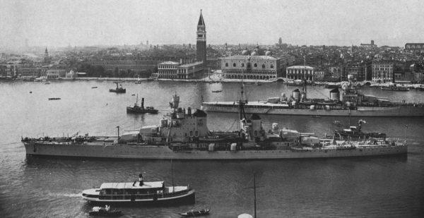 Krążowniki Zara i Pola w Wenecji