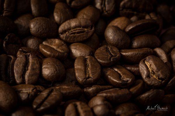 Kawa z czasem zyskała popularność na całym świecie i stała się najpopularniejszym napojem (fot. Michał Banach)