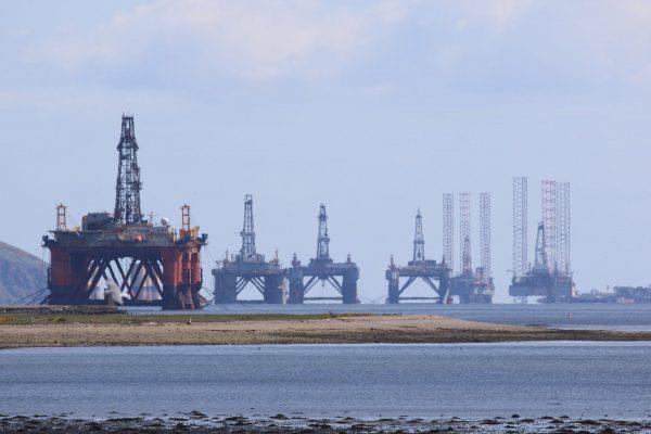 Platformy wiertnicze w Cromarty Firth (fot. pixabay.com)