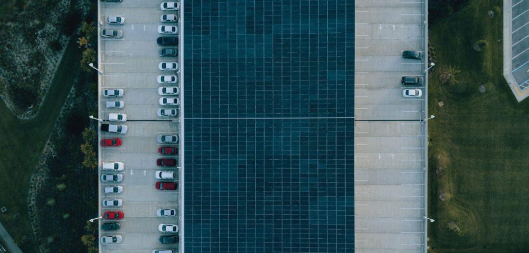 Długoterminowy parking na lotnisku od Parkos