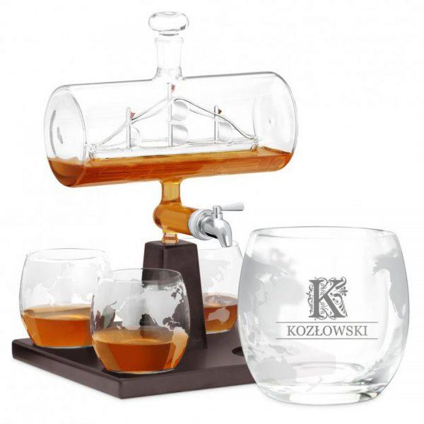 Zestaw do whisky z karafką w kształcie globusa lub statku