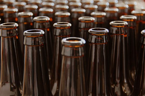 Butelki zwrotne mogą być używane przez nawet 5 lat i wracać do ponownego użycia 25 razy