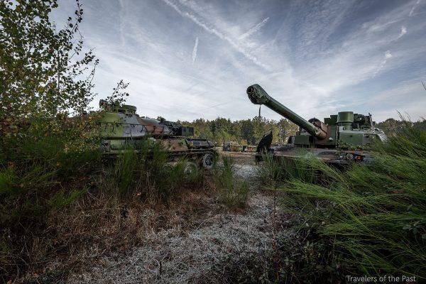 AMX-30 i prawdopodobnie Leclerc gdzieś we Francji (fot. Alan Lenaerts)