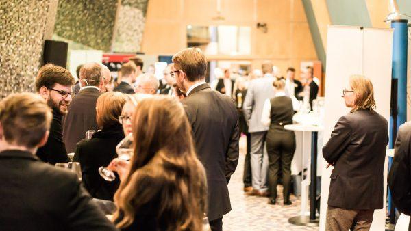 Rollupy przydają się podczas wszelkiego rodzaju konferencji i targów