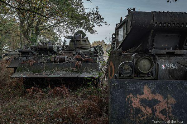Pojazdy ewakuacyjne gdzieś we Francji (fot. Alan Lenaerts)