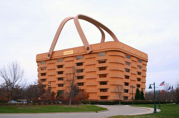 Longaberger Basket Building (fot. Derek Jensen)